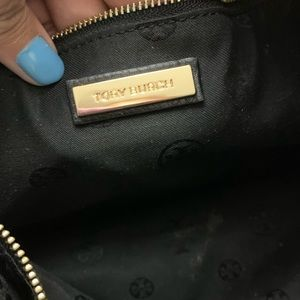 Tory Burch Bags - Tory Burch carter chain Pebbled Leather Tote Bag
